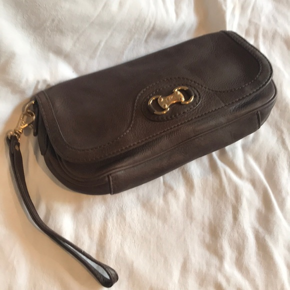Michael Kors Handbags - Michael Kors Brown pebble leather clutch
